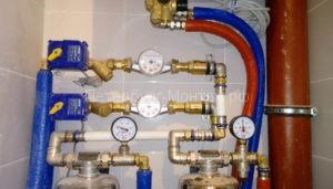 Коллекторный узел водоснабжения в квартире